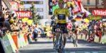 Caos al Tour, vince Thomas e Nibali cade toccato da una moto della polizia